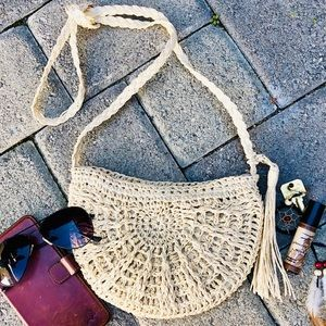 Handbags - ✨WOVEN STRAW  CRESCENT  BOHO CROSSBODY BAG✨